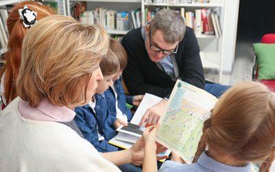 Vloga učitelja v programu družinske pismenosti s primeri dejavnosti za otroke