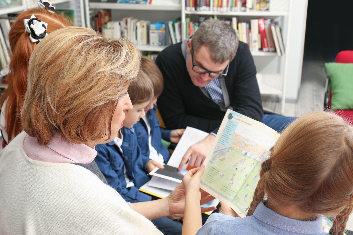 Vloga učitelja v programih družinske pismenosti