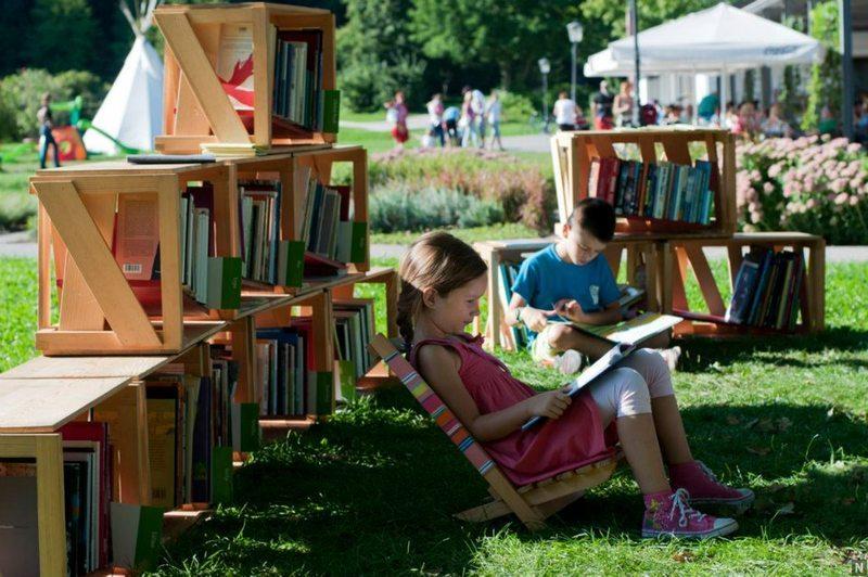 knjižnica pod krošnjami, foto: Divja misel