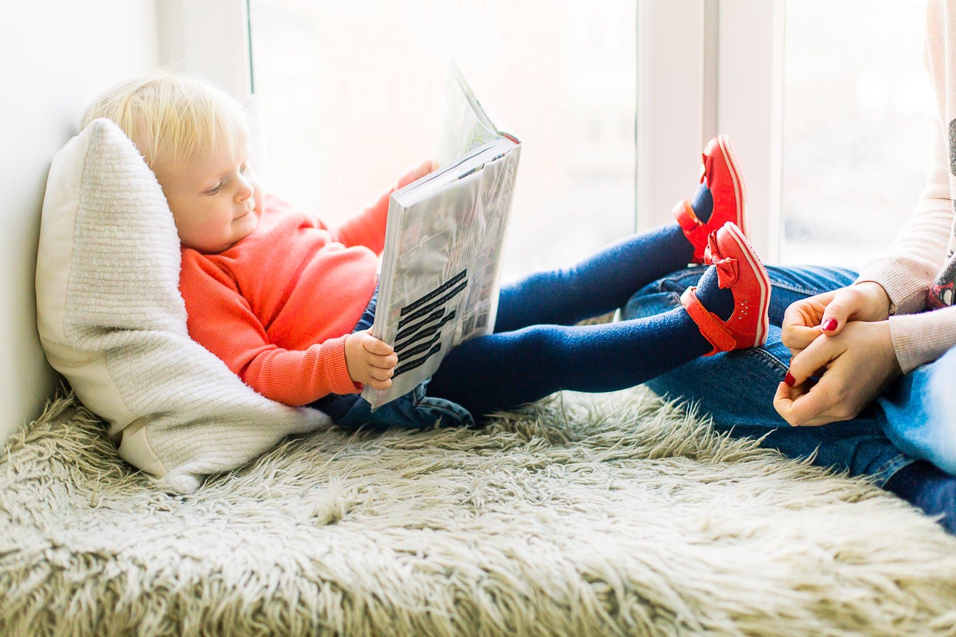 Naj otroke obdajajo knjige!