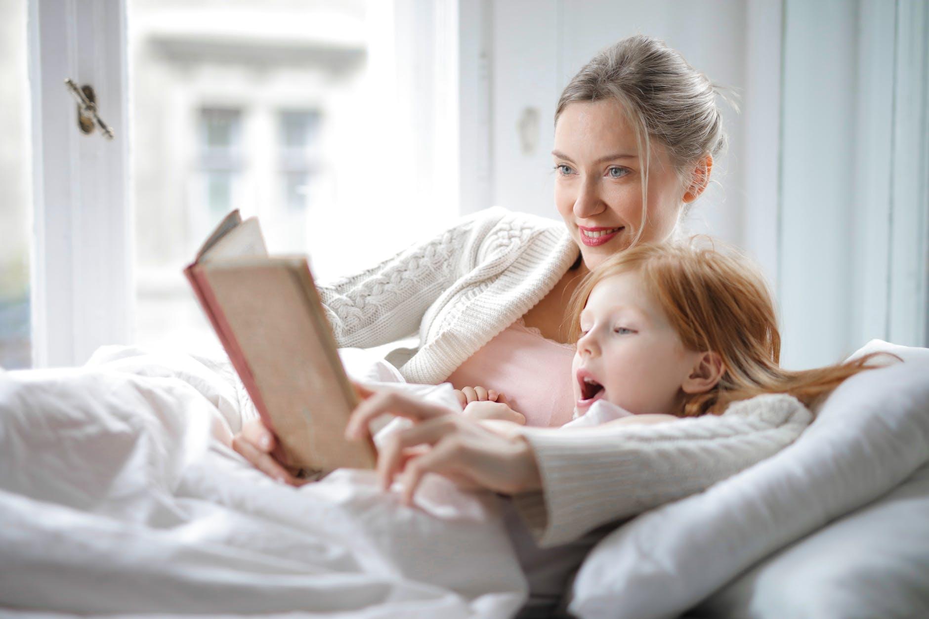 Zakaj bi morali starši spodbujati branje pri otroku